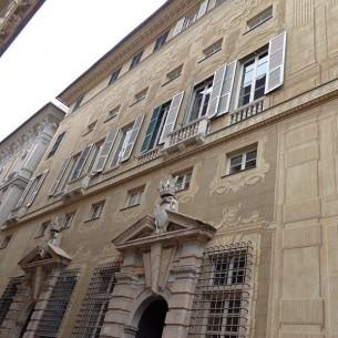 di ENRICO MARIA DAVOLI  Insegnare e produrre decorazione storica a Genova.  FD numero 20, mar-apr 2015